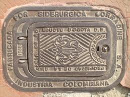 Tapa de alcantarilla, Bogotá