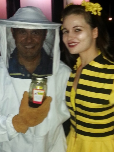 Homemade DIY queen bee beekeeper costume disfraz abeja reina colmenero