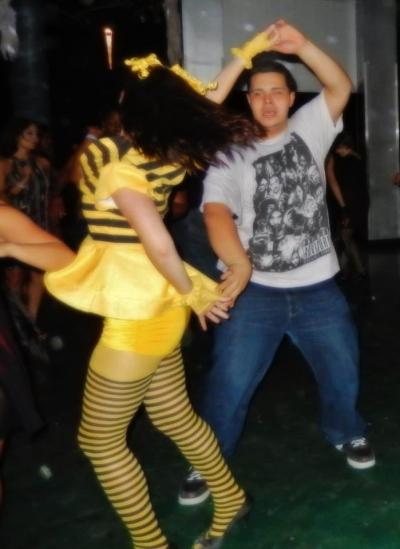 Homemade DIY queen bee costume disfraz abeja reina
